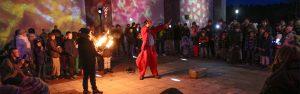 Ankündigung der Feuerjonglage mit Clown Herr Balzer aus Berlin zum Lichterfest in Strausberg